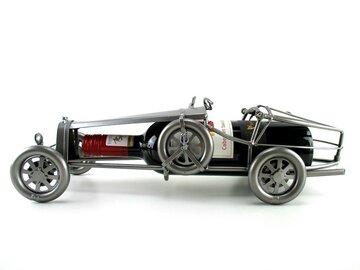 Klassieke raceauto wijnfleshouder